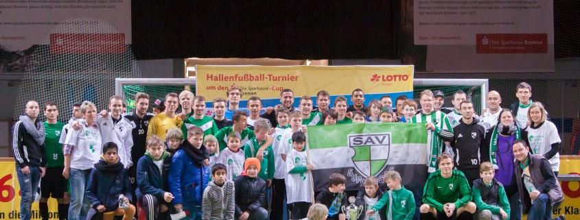 23.12.2012 Bremen, 24. Lotto-Hallenturnier um den Sparkasse Bremen-Cup, v.l.  NUTZUNGSHINWEIS: Foto ist für redaktionelle Zwecke honorarfrei. Kein Model Release.